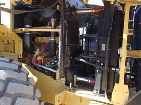 2017 Caterpillar 950GC Wheel Loader - picture4' - Click to enlarge