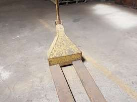 Pallet hand truck - picture2' - Click to enlarge