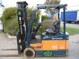 TOYOTA 7FBE15 3 Wheeled Battery Electric with LOW HOURS - picture0' - Click to enlarge