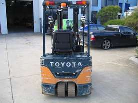 TOYOTA 7FBE15 3 Wheeled Battery Electric with LOW HOURS - picture4' - Click to enlarge