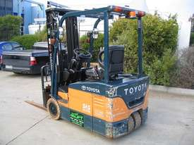 TOYOTA 7FBE15 3 Wheeled Battery Electric with LOW HOURS - picture5' - Click to enlarge