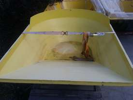Dumper skip - only - picture1' - Click to enlarge