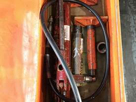 Enerpac Hydraulic Porta Power Kit Hand Pump Ram & Accessories - picture7' - Click to enlarge