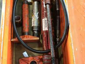 Enerpac Hydraulic Porta Power Kit Hand Pump Ram & Accessories - picture9' - Click to enlarge