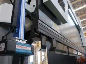 ACCURL Quality NC Pressbrake With Laser Guards, Servo & Delem NC Controller - picture2' - Click to enlarge