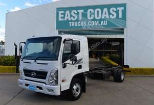 2018 Hyundai MIGHTY EX8   Cab Chassis