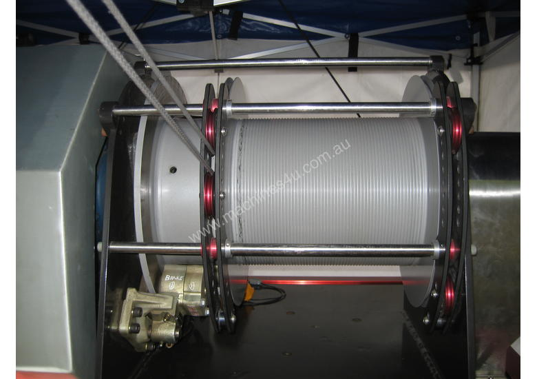 Hydraulic / eletric high speed winch