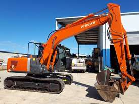 Hitachi ZX120 Tracked-Excav Excavator - picture2' - Click to enlarge