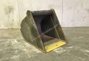 UNUSED 500MM BATTER BUCKET TO SUIT 4-6T EXCAVATOR E030