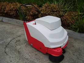 Howley 680B - Note Ex Demo! Walk Behind Sweeper - picture0' - Click to enlarge