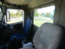 International 9200 Eagle Primemover Truck - picture5' - Click to enlarge