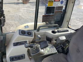 2013 YANMAR VIO55-5B AIRCONDITIONED EXCAVATOR - picture2' - Click to enlarge