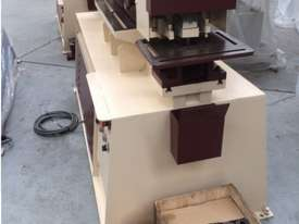 Marksman 125 tonne punch and shear ironworker - picture5' - Click to enlarge