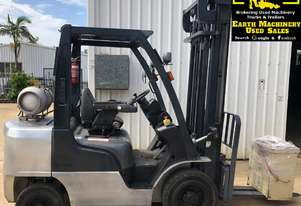 Nissan 2.5ton Forklift, 2 stage mast, weight gauge. EMUS MS465A