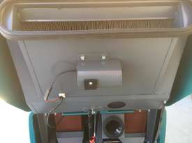 2014 Tennant S10 FLOOR SWEEPER - picture6' - Click to enlarge