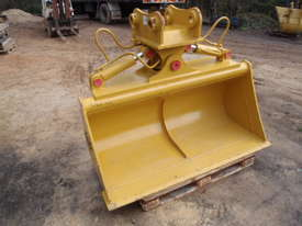 Tilt Bucket to Suit 12 Tonner NEW - picture1' - Click to enlarge