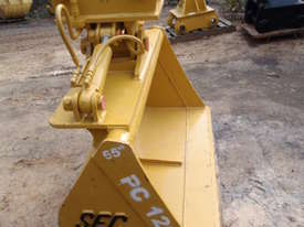 Tilt Bucket to Suit 12 Tonner NEW - picture2' - Click to enlarge