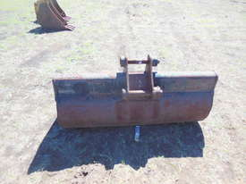 1500mm Caterpiller mud bucket - picture1' - Click to enlarge