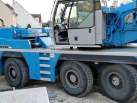 2011 LIEBHERR LTM 1055-3.2 ALL TERRAIN CRANE - picture2' - Click to enlarge