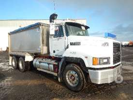 MACK CH688RS Tipper Truck (T/A) - picture0' - Click to enlarge