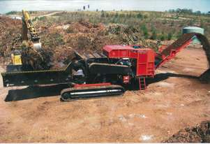 NEW - 700HP horizontal greenwaste grinder, track mounted.