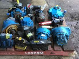 Pallet of new hydraulic Pumps or motors if not new been refurbished would like to sell the whole lot - picture0' - Click to enlarge