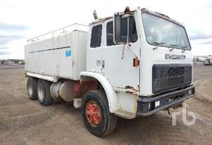 INTERNATIONAL ACCO 1950C Water Truck