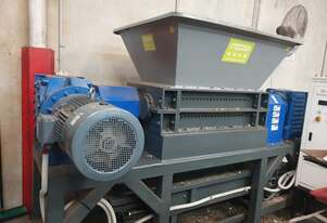 Industrial Twin Shaft Shredder - 800-1200 Kg P/H - SKD-11 Steel High Wear Resistant Blades