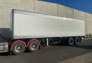 Maxi Cube    Semi  Box Trailer