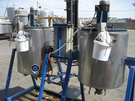 Mild steel oil heating Tanks - picture2' - Click to enlarge