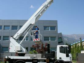 CTE B-Lift 320 Truck-Mounted Platform - picture6' - Click to enlarge