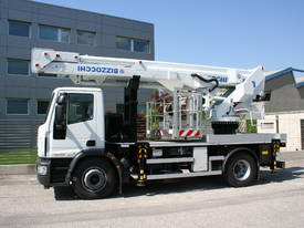CTE B-Lift 320 Truck-Mounted Platform - picture3' - Click to enlarge