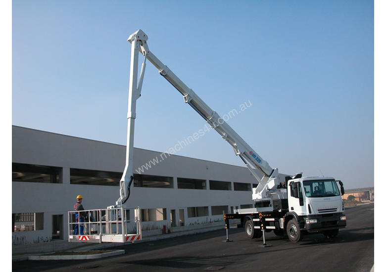 CTE B-Lift 320 Truck-Mounted Platform