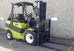 3,5 Tonne LPG (Gas) Forklift FOR HIRE * Clark C35L