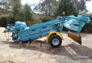 Soil Sand Beach Cleaner Beach Tech STR2000