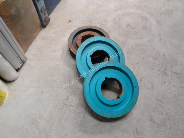 Cast Iron Pulleys For Sale : Used belt cast iron pulley pulleys in daylesford vic