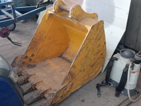12-16T 900mm GP Bucket