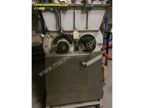Double z arm mixer - approx 3-400L