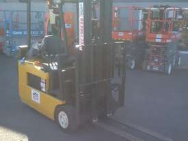 ELECTRIC HYSTER FORKLIFT 6M LIFT HEIGHT 1.7 TON  - picture0' - Click to enlarge