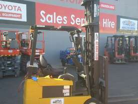 ELECTRIC HYSTER FORKLIFT 6M LIFT HEIGHT 1.7 TON  - picture1' - Click to enlarge
