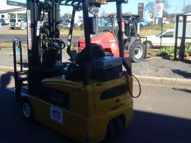 ELECTRIC HYSTER FORKLIFT 6M LIFT HEIGHT 1.7 TON  - picture3' - Click to enlarge
