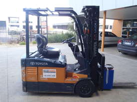Toyota Electric Container Forklift - picture0' - Click to enlarge