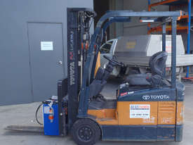 Toyota Electric Container Forklift - picture1' - Click to enlarge