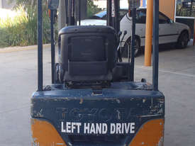 Toyota Electric Container Forklift - picture3' - Click to enlarge