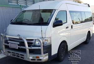 Toyota Hiace 12-seater Mini Bus, new paint. E.M.U.S TS292