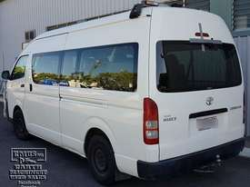 Toyota Hiace 12-seater Mini Bus, new paint. E.M.U.S TS292 - picture1' - Click to enlarge