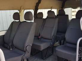 Toyota Hiace 12-seater Mini Bus - picture5' - Click to enlarge