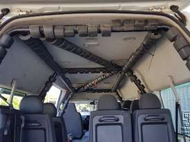 Toyota Hiace 12-seater Mini Bus - picture7' - Click to enlarge