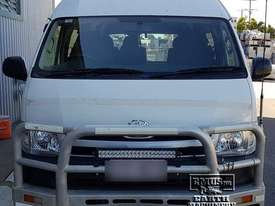 Toyota Hiace 12-seater Mini Bus - picture17' - Click to enlarge