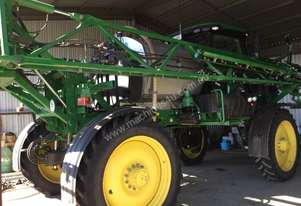 John Deere  Boom Spray Sprayer